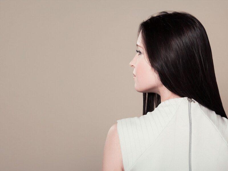 Innowacyjny system odbudowy skóry bez wychodzenia z domu. Efekt? Odrodzona skóra