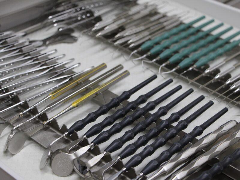 Jak leczyć zęby, gdy boimy się stomatologa?