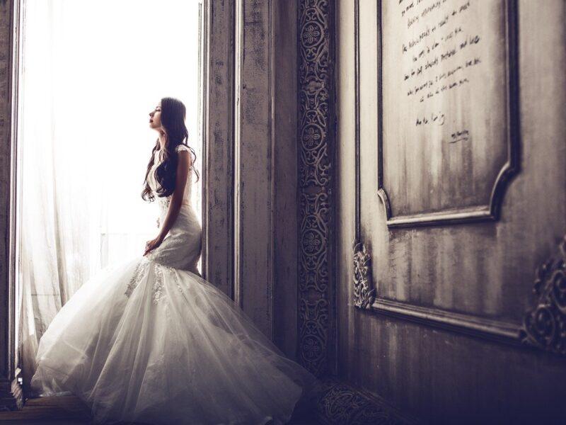 Suknie ślubne – najgorętsze trendy 2021 roku
